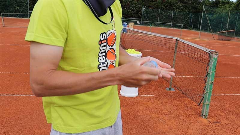 gel-disinfettante-tennis
